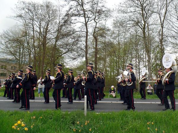 Musikkapelle beim Blumenkorso 2015