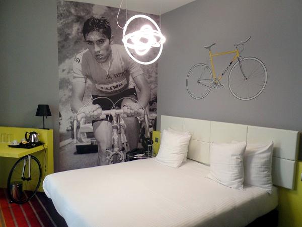 das Themenzimmer Eddie Merckx im Hotel Dream Mons