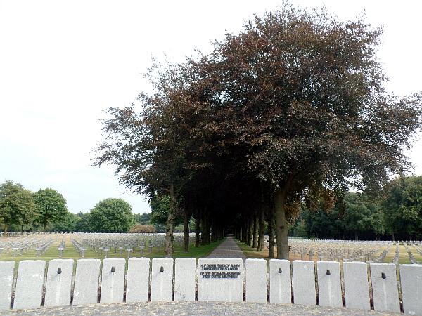 Liberation Route: überall Steinkreuze in Ysselsteyn