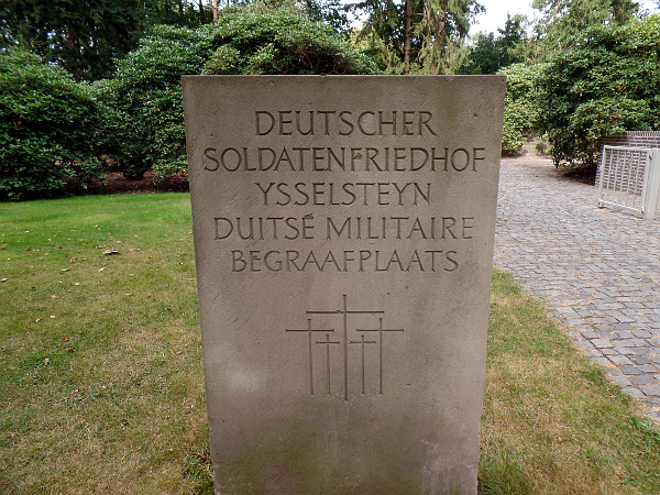 Liberation Route: Deutscher Soldatenfriedhof Ysselsteyn
