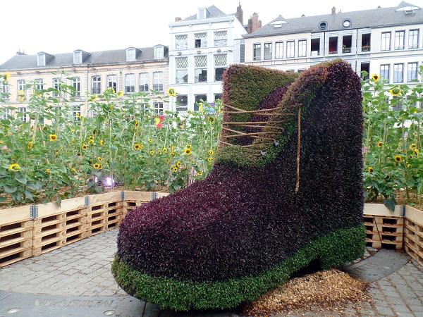 der Schuh in Sun City, Mons 2015