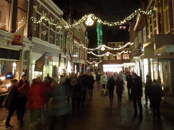 weihnachtliches erleuchtetes Gouda mit Sint Jan