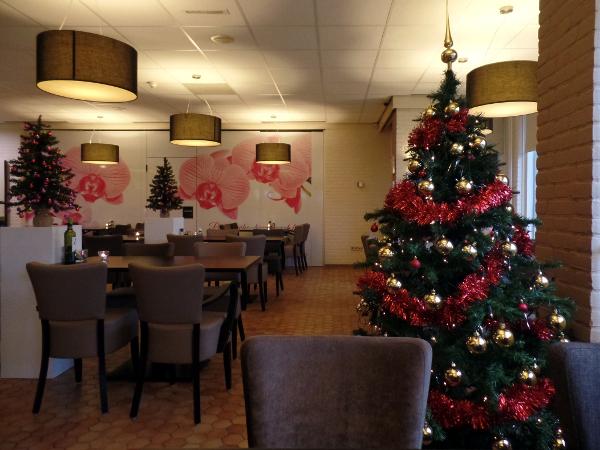 der weihnachtliche Frühstücksraum im Campanile Gouda