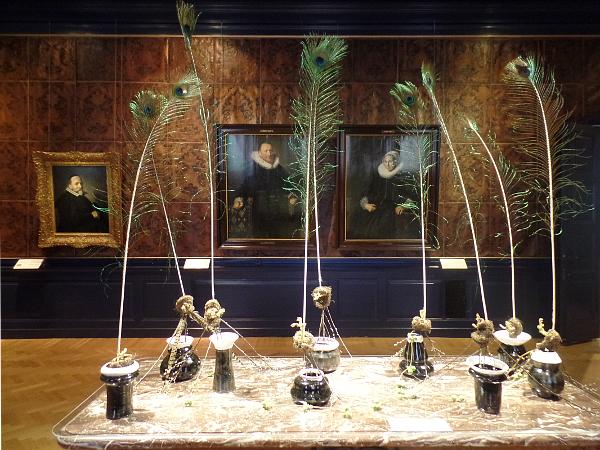 Frans Hals Museum: Pfauenfedern setzen die Kunst speziell ins Bild