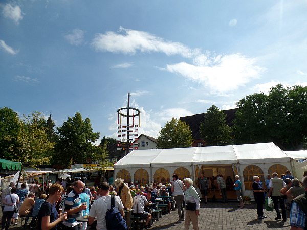 auf dem 10. Käsemarkt in Nieheim