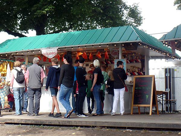 Patat & Frikandel bij het Maschseefest in Hannover