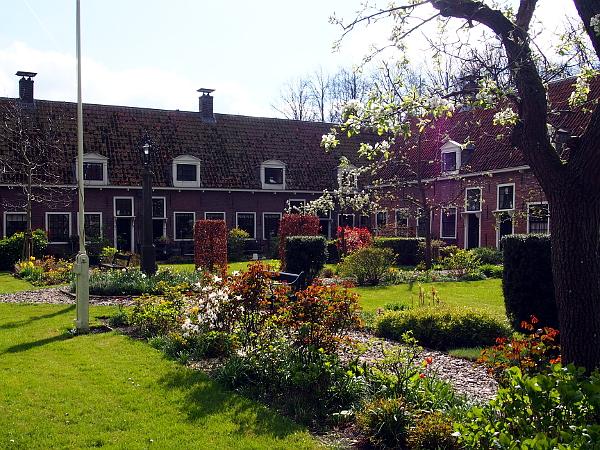 Proveniershuis: hofje in Edam