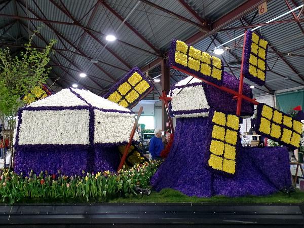 hinter den Kulissen beim Blumenkorso Bollenstreek
