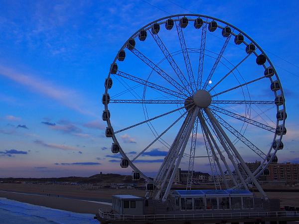 Sonnenuntergang beim Riesenrad am Pier Scheveningen