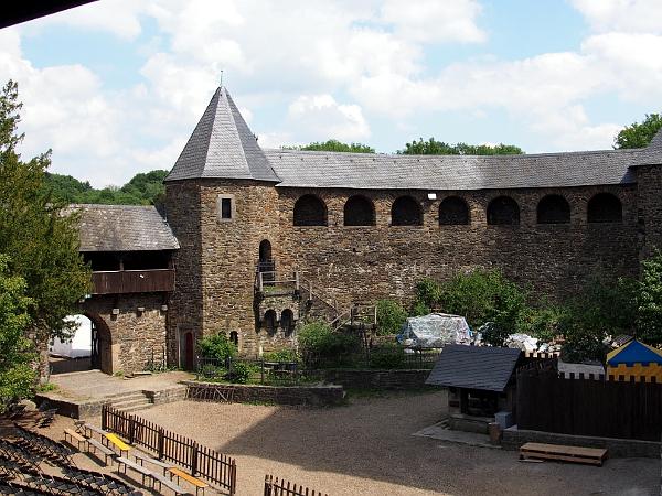 Ausblick aus Schloss Burg