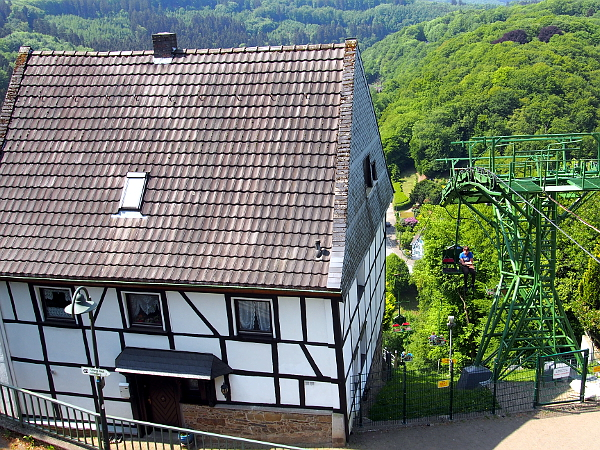 Seilbahn von Schloss Burg talwärts