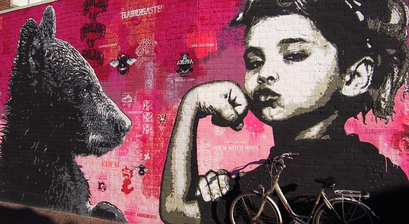 Streetart in Hengelo - das Mädchen & der Bär