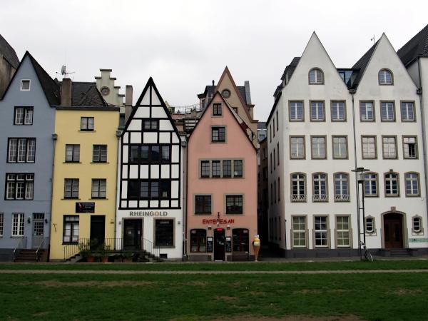 Rheinpromenade in Köln